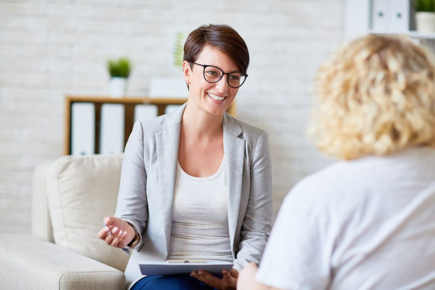 therapist-performing-accelerated-resolution-therapy